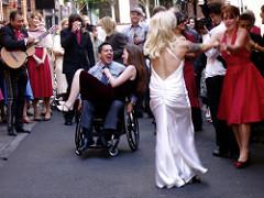 El baile en silla de ruedas contribuye a la realización personal y social así como a la propia felicidad