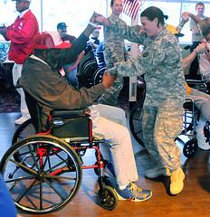 El baile en silla de ruedas proporciona alegría y buen humor