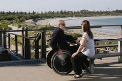 La accesibilidad universal facilita la vida de la persona afectada, de sus familiares, amigos y de toda la sociedad