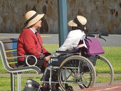 Es reconfortante disfrutar de una conversación relajada con una persona con discapacidad