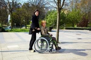 Consejos para los familiares de personas que utilizan silla de ruedas