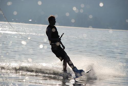 El esquí adaptado es uno de los deportes acuáticos que puede ser practicado por personas con movilidad reducida