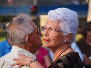 Las relaciones sociales y las actividades de ocio favorecen la salud emocional en la tercera edad