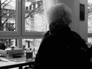 Pautas para comunicarse con una persona con demencia senil