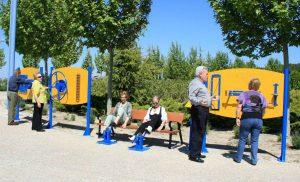 Gimnasia para adultos en los parques para mayores