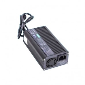 Cargador Powerfirst PF2408 silencioso (sin ventilador)