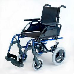 amplio-equipamiento-de-serie-silla-de-ruedas-de-aluminio-no-autopropulsable-breezy-style-caracteristica