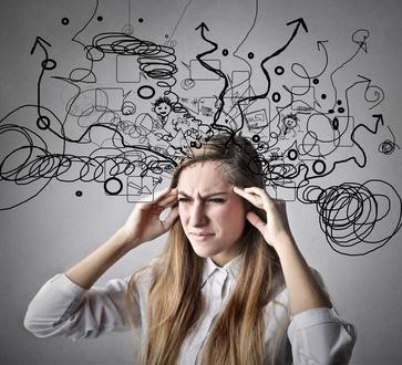 Intenta evitar los pensamientos negativos. Tu vales mucho.