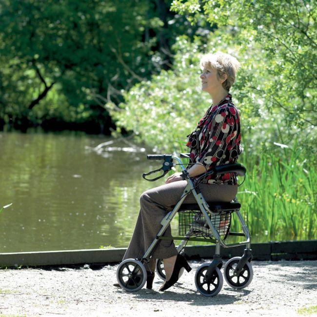Con las ayudas para caminar lograremos una mejor calidad de vida.
